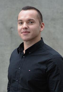 Michael Schäfer ist unser Mann für die Bildmontage und die Postproduktion