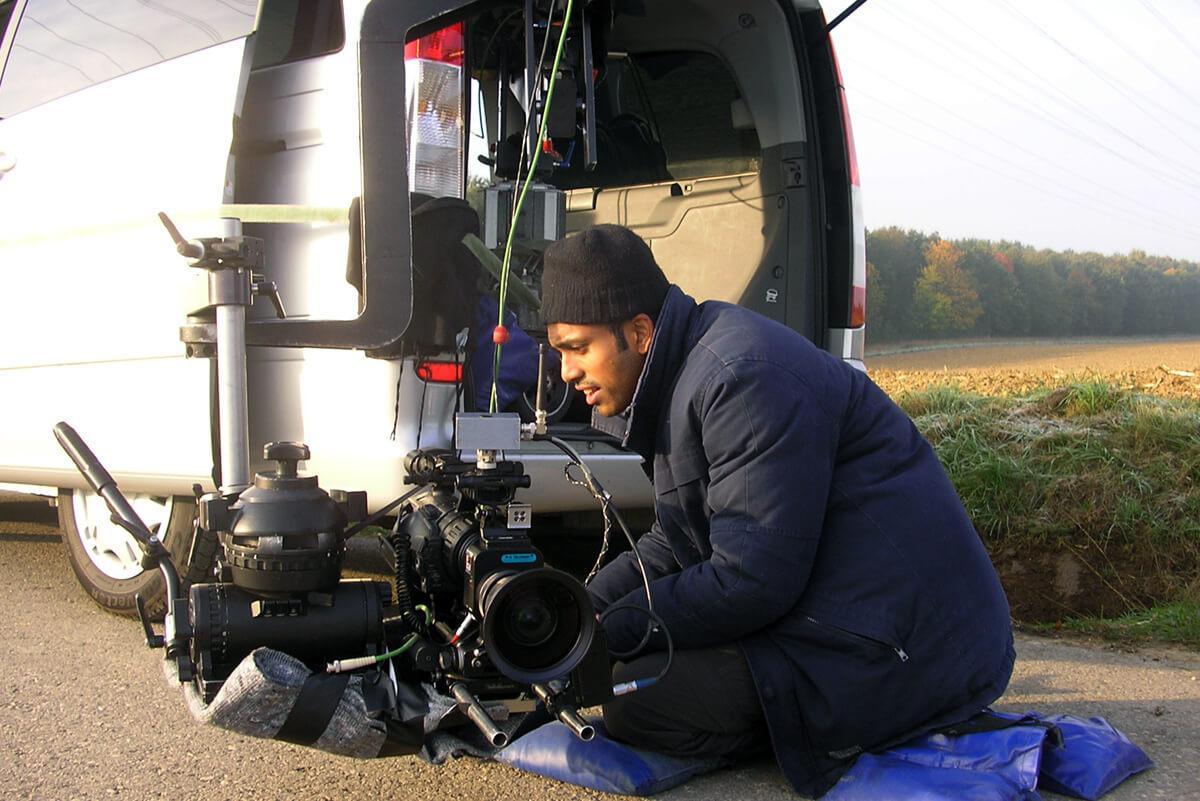 Filmakademie Absolvent und freier Mitarbeiter von mp-film Filmproduktion Karlsruhe Kameramann Kumaran