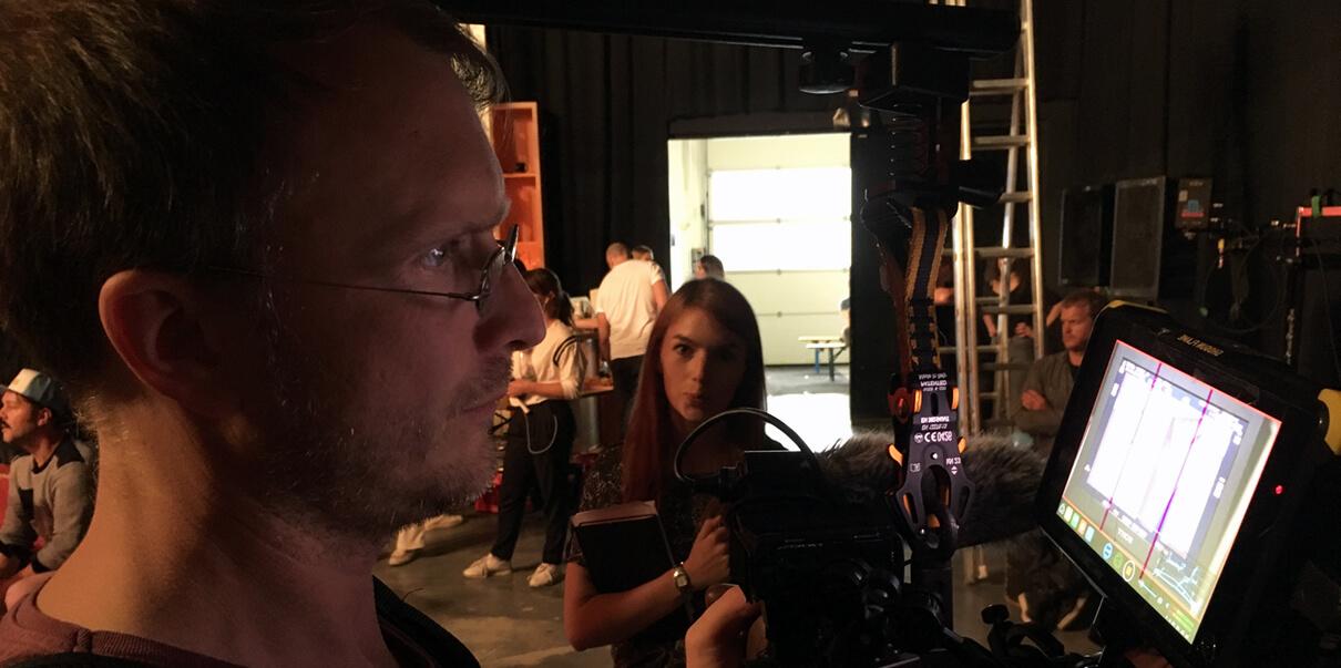 Und Action die mp-film Filmproduktion Karlsruhe bei Dreharbeiten in einem Berliner Studio. Die Kamera läuft überall wird gearbeitet